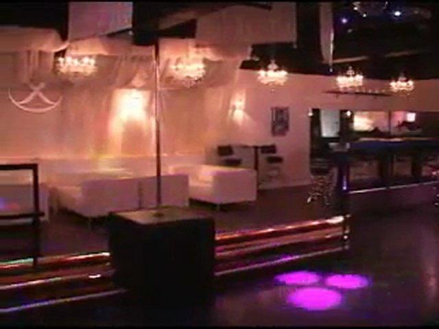 X Club Toronto Swinger