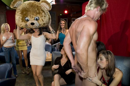 Delray To Strip How Club In Behave