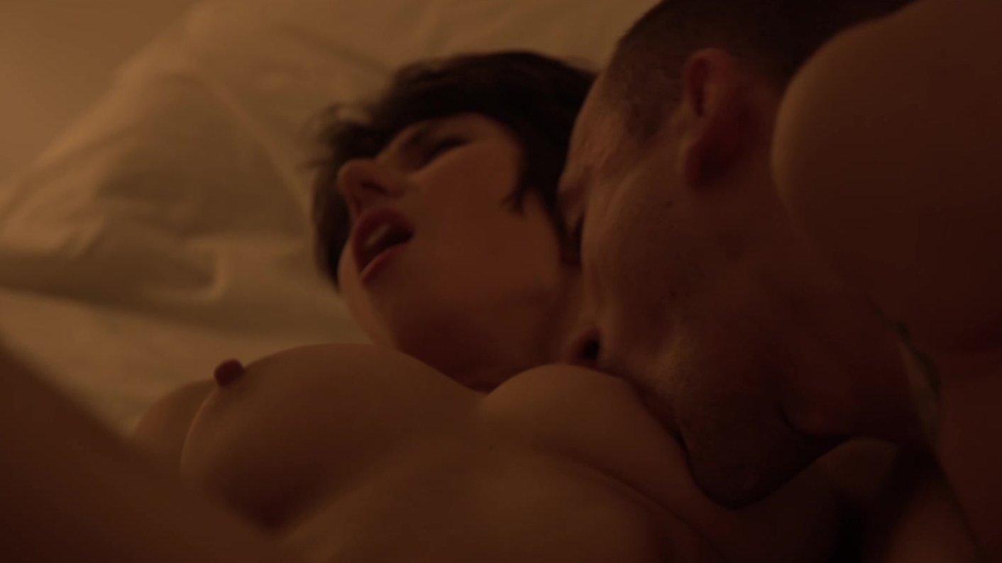 Perverted One-night Stand Brunette Woman Seeking Man
