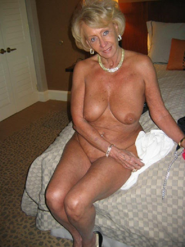Slim 65 To 70 Kinky Woman Looking For Sex