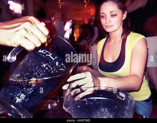 Fomo Club In Girls In Uk Night Brighton