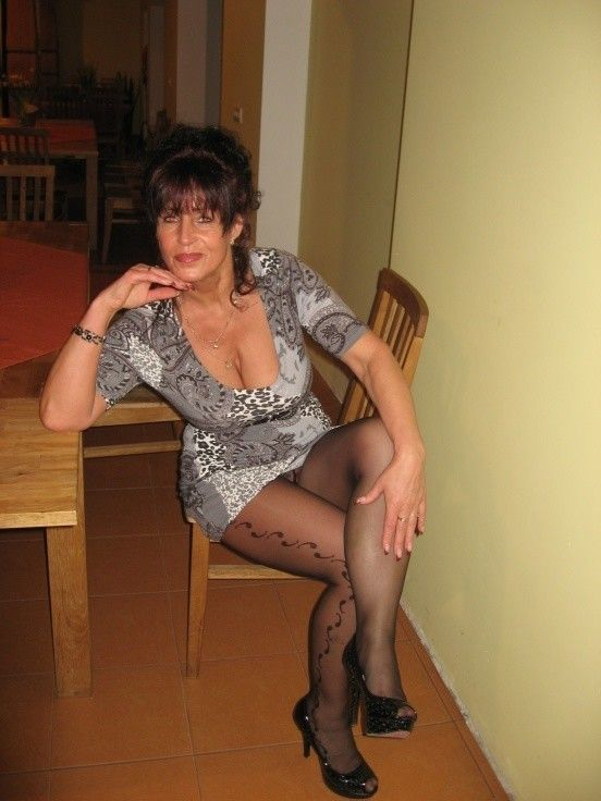 40 To 48 Brunette Woman Looking For Sex