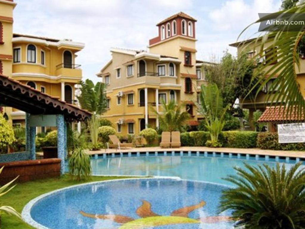 Yprk In Love Goa France Hotels