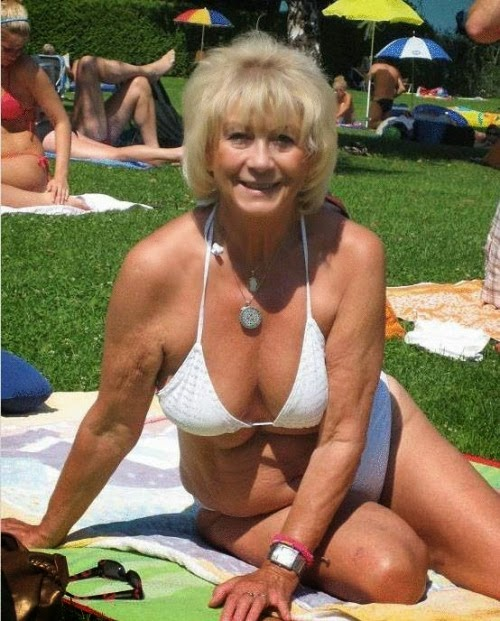 65 To 70 Blonde Single Woman Looking For Sex