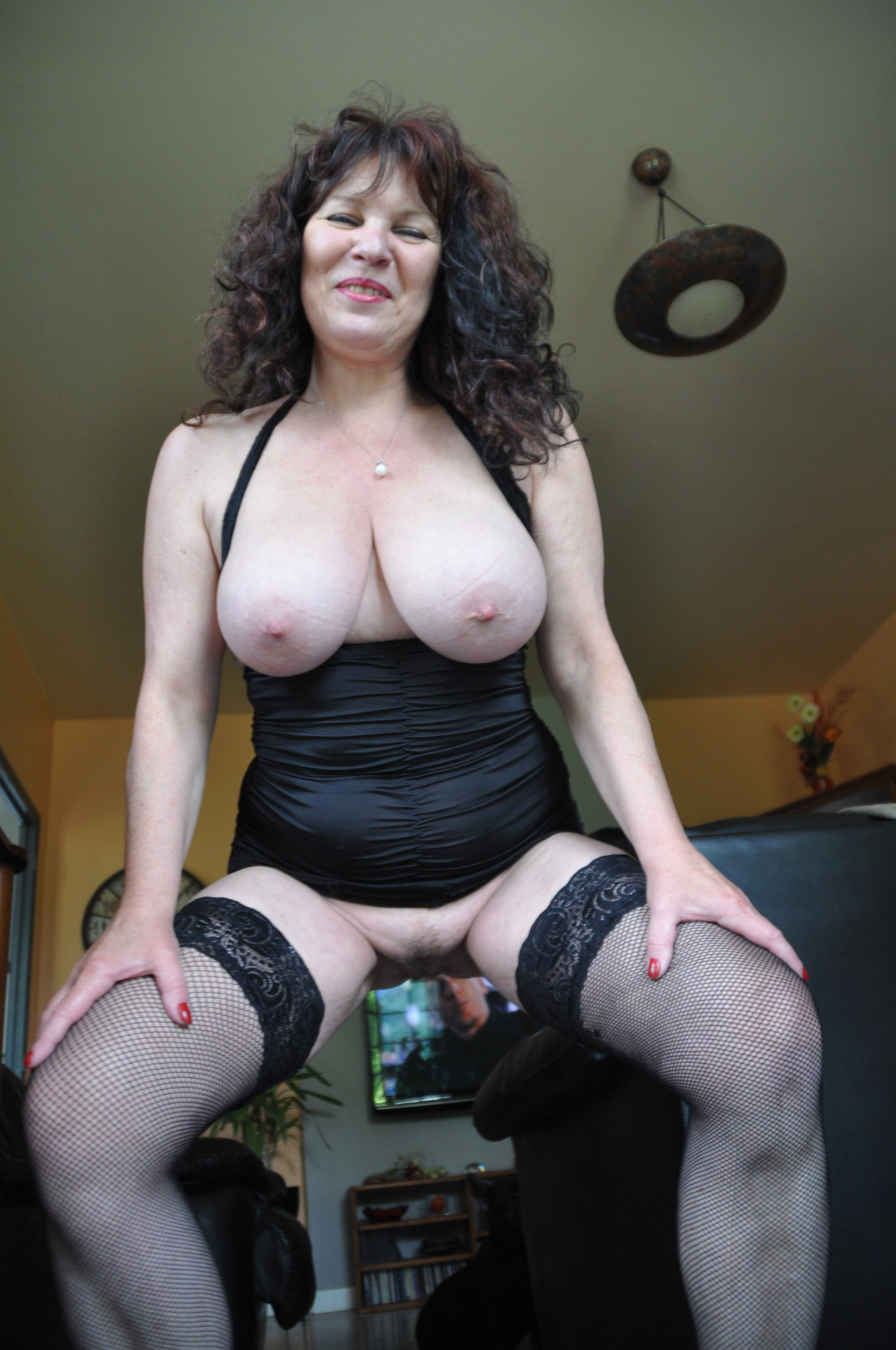 Casual Woman For Encounters 65 60 To Looking