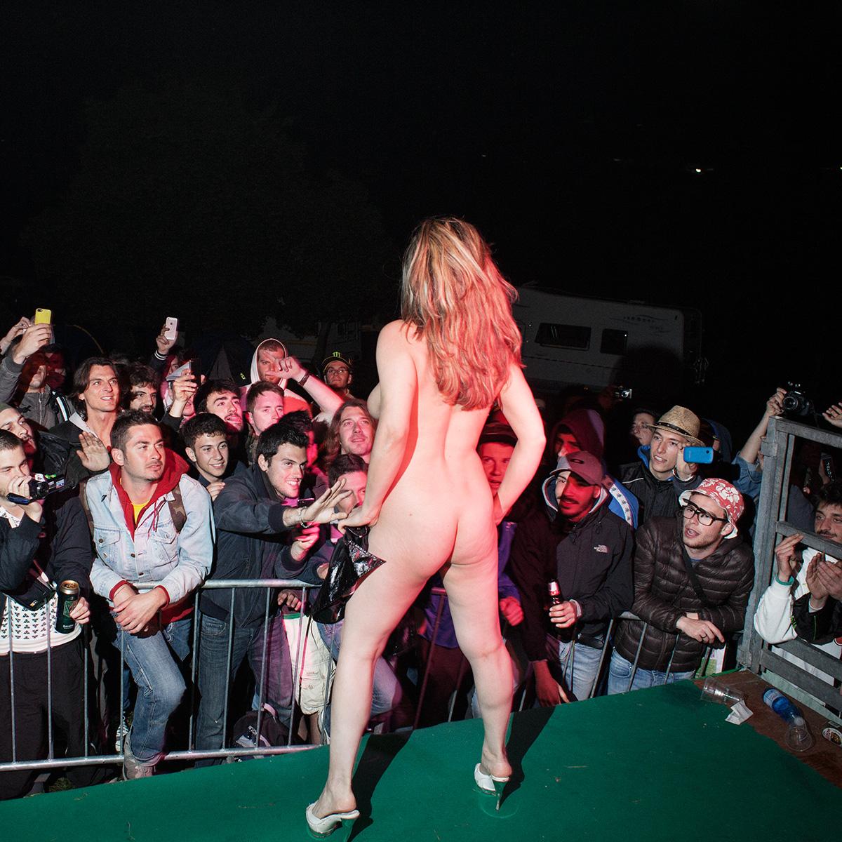 Kaushambi Milan Italy In In Night Club Girls