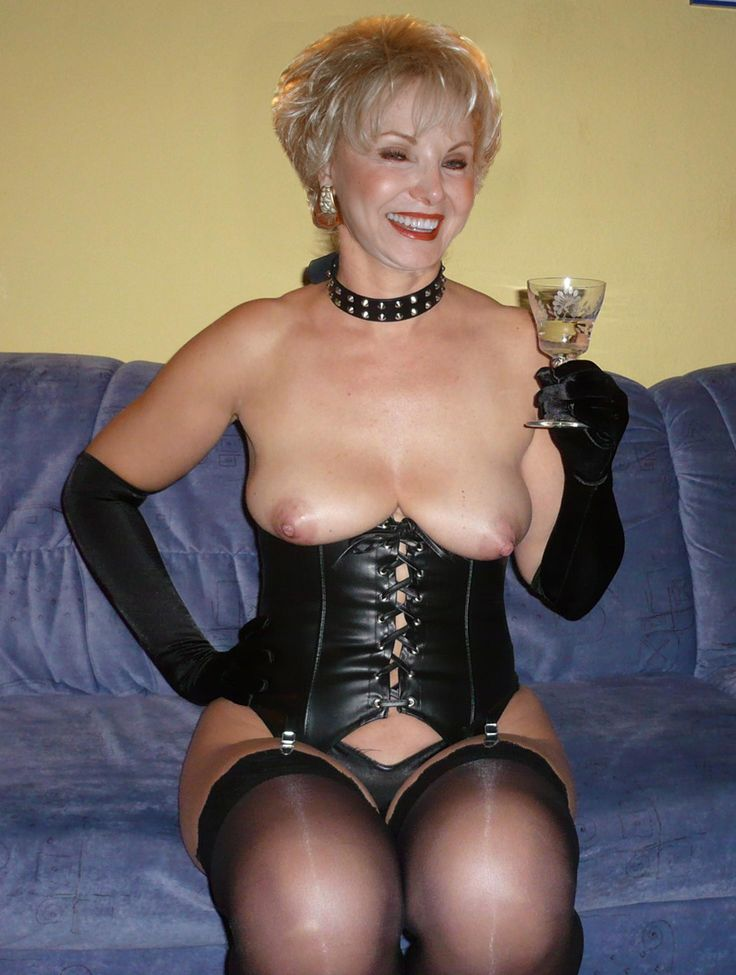 Perverted Blonde Divorced Photos Dating