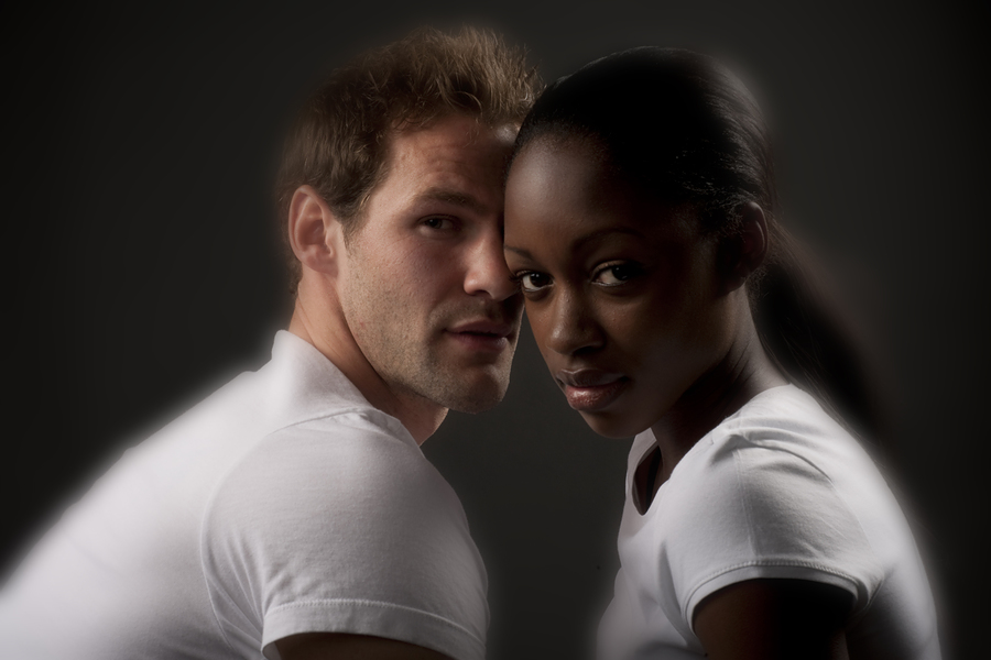 A Man Dating White