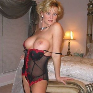Woman Stand Looking For Kinky Sex One-night 65 To 70