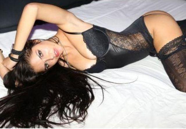 To Woman Man 40 Spanish Singles Brunette 48 Seeking