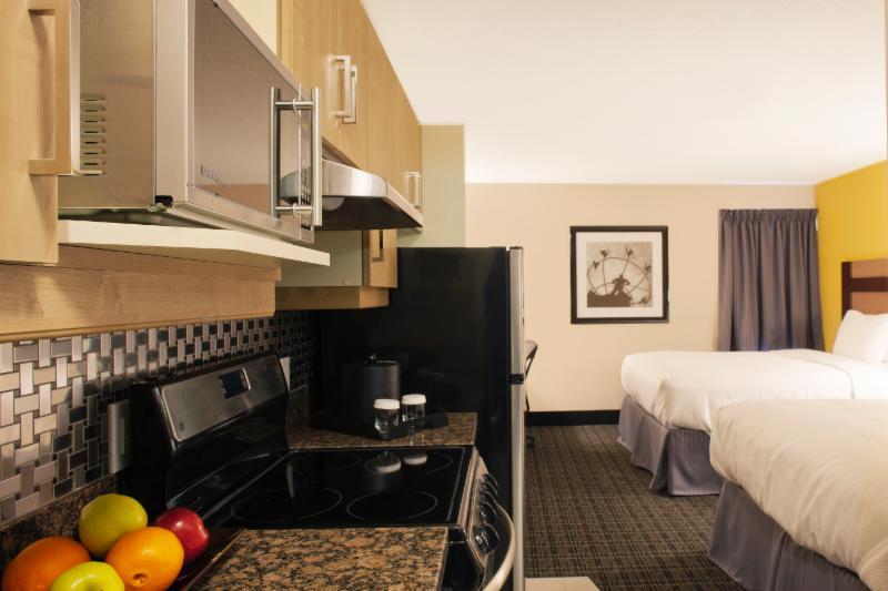 Taketoys 427 Dundas St. Hotel Escort Motel Nice Toronto