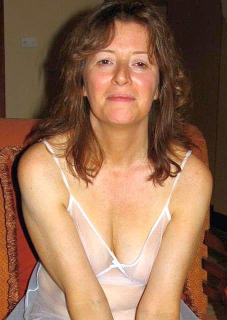Perverted 50 To 55 Woman Seeking Man