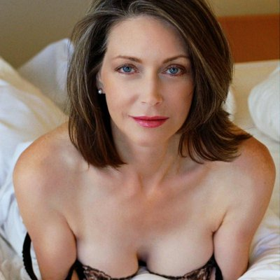Dating Sex Brunette For Perverted Looking