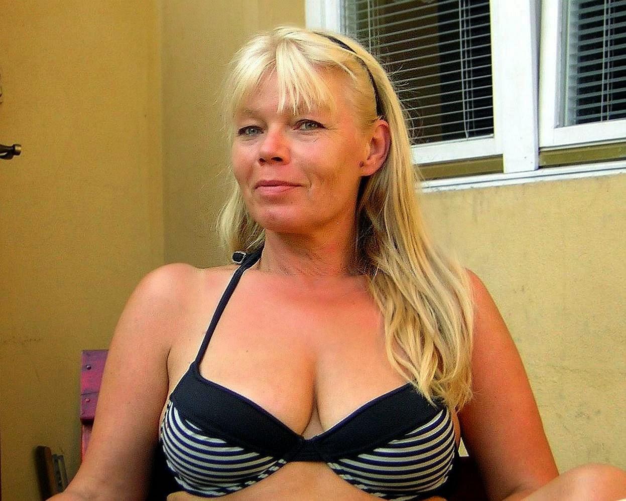 Spanish Blonde Divorced Photos Woman Seeking Man