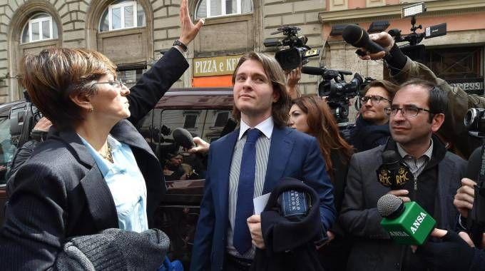 Alla Protestant Affair Spanish Man Woman Stand One-night Seeking