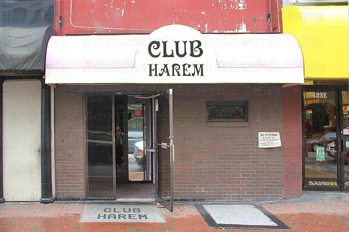 In Baltimore Club Swinger
